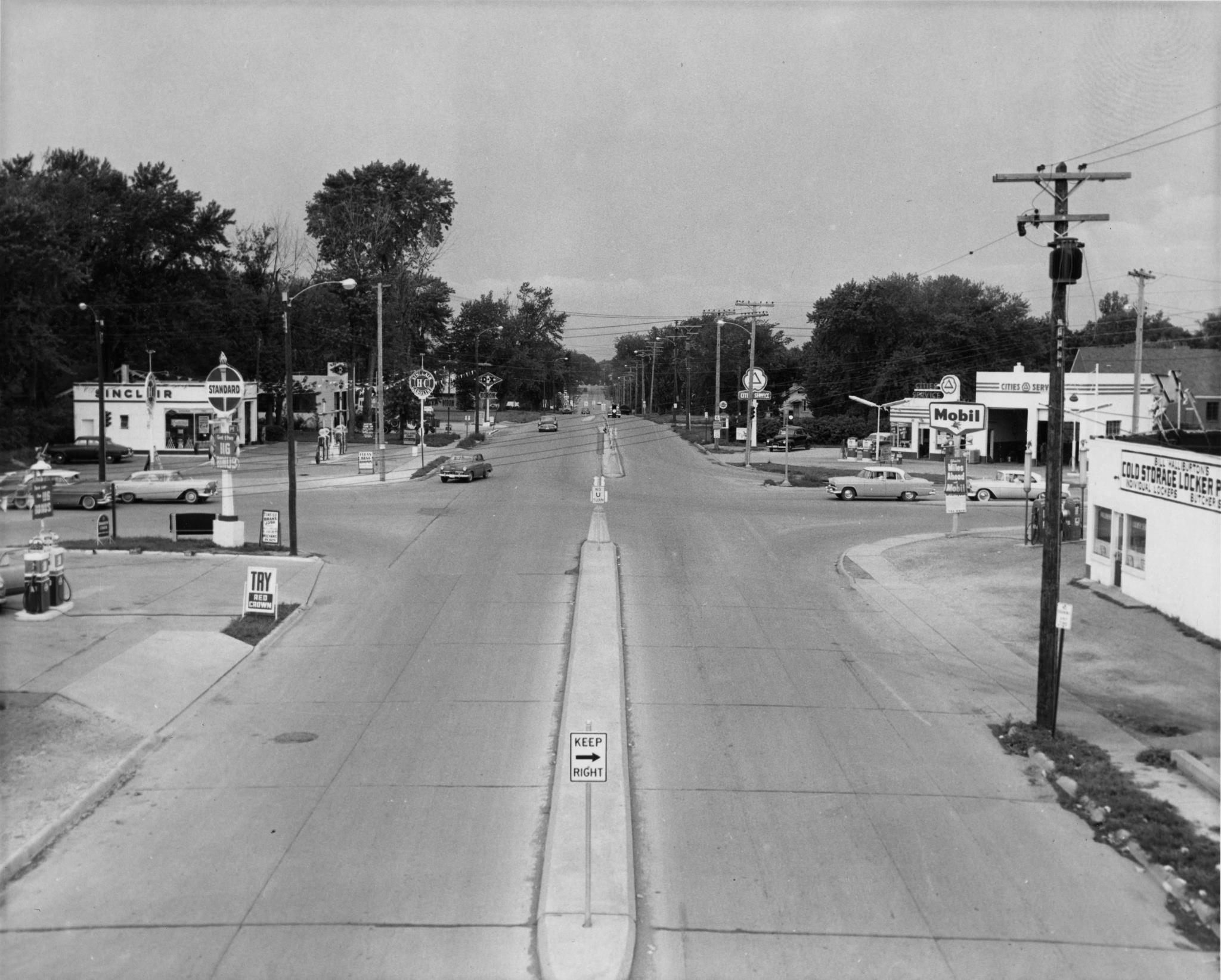 Merle Hay Rd and Hickman, 1950s. As city growth moved outward towards these areas, Downtown vibrancy declined. (Photo courtesy of Michael Wieskamp)