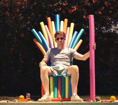 poolnoodlethrone