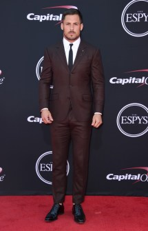 NFL wide receiver Danny Amendola graced the ESPY Awards red carpet in this espresso suit, paired with a simple white oxford shirt and black skinny tie. Photo: Jordan Strauss/Invision/AP