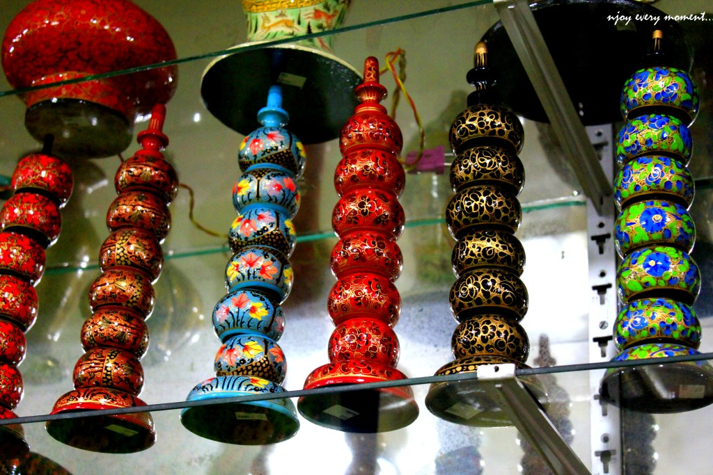 Kashmir Art and Crafts-2 top things to buy in kashmir