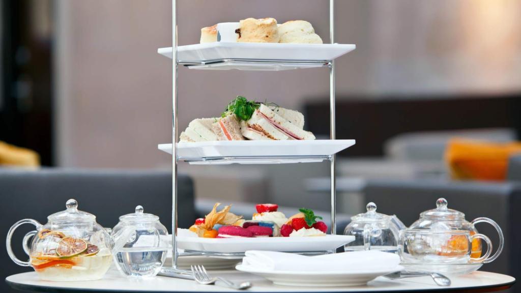 le_mridien_piccadilly_gin_and_tonic_afternoon_tea