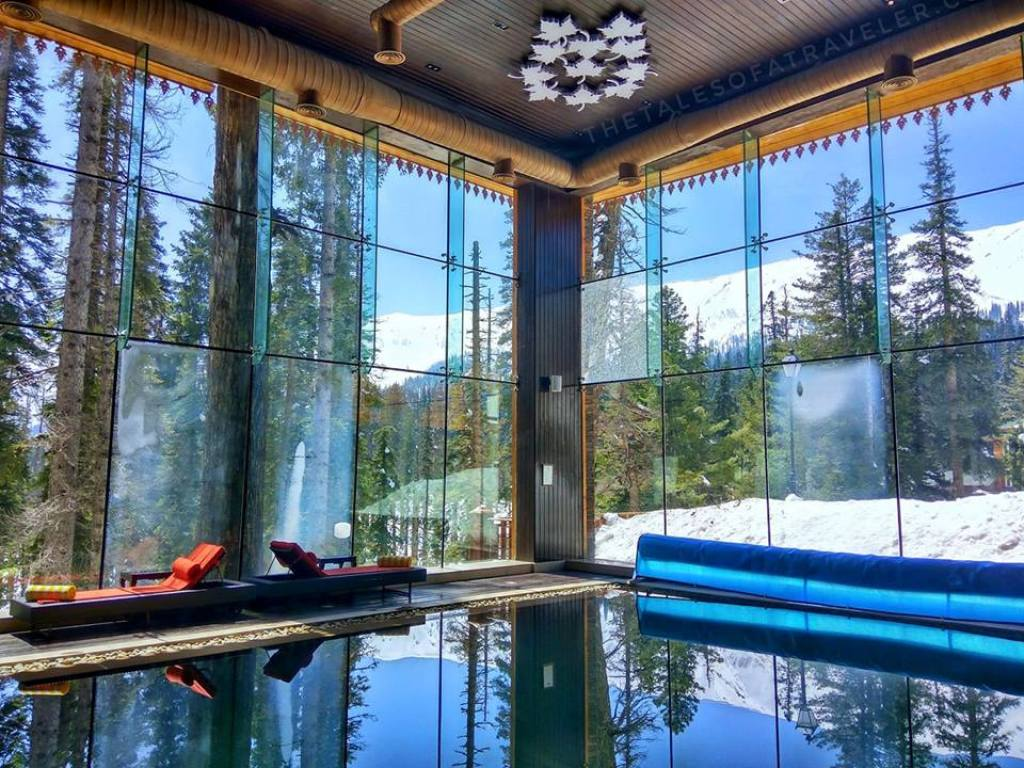 luxury stay in gulmarg