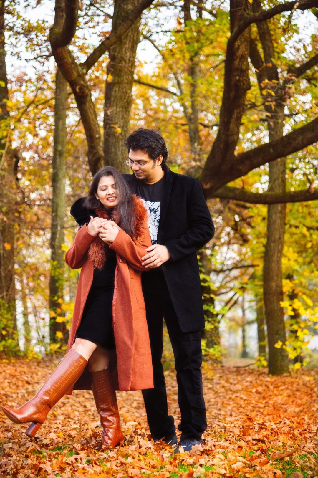 fall couple photoshoot