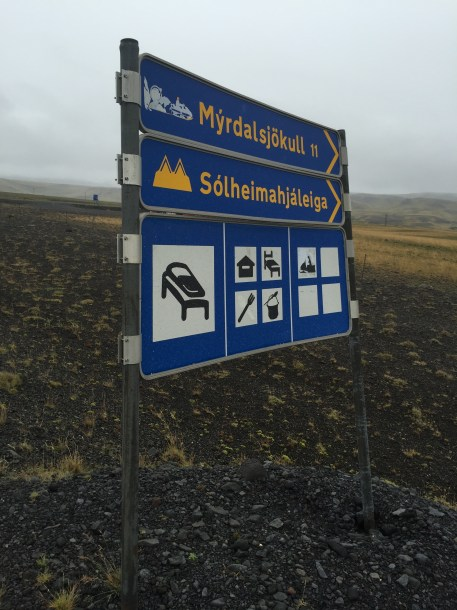 A sign with Icelandic names