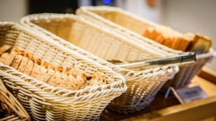 bread baskets at the Hotel Kyriad Orly Aéroport