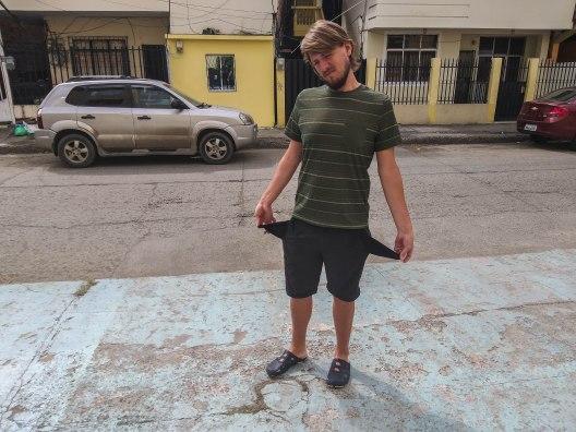 A man was robbed in Ecuador
