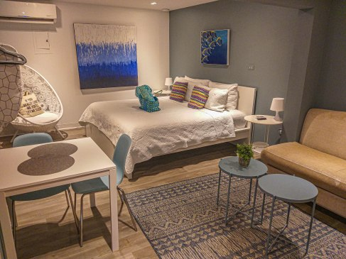 JFKey Home: Azul Apartment