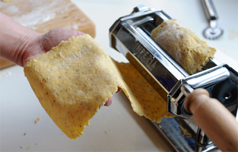 MakingCrackers480