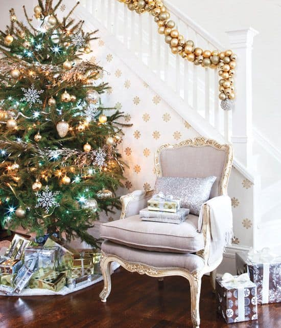 Decorate The Stairs For Christmas: Decorating Stairs For Christmas