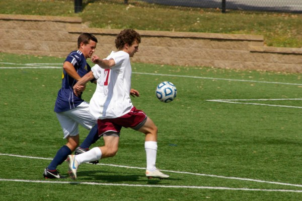 Men's soccer comes from behind to win - The Tartan