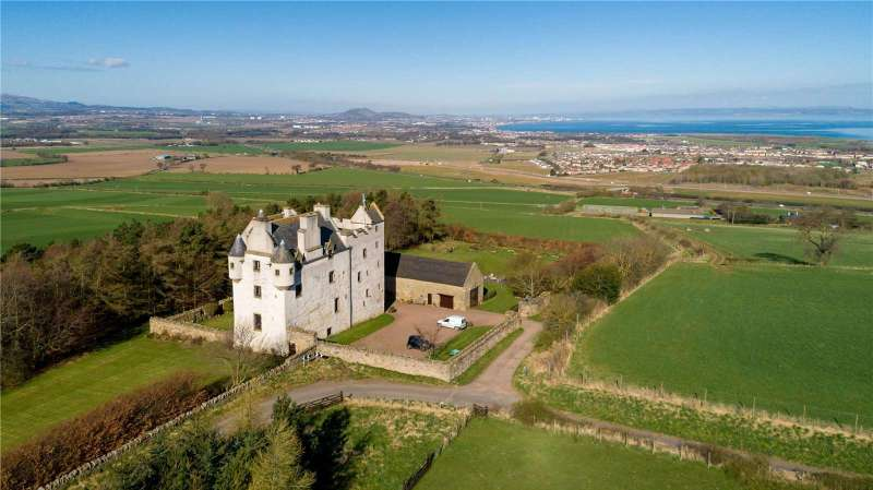 Picture of Fa'side Castle for Sale