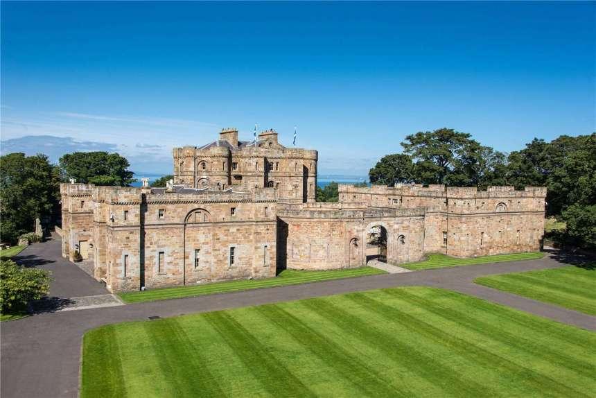 Picture of Seton Castle for Sale