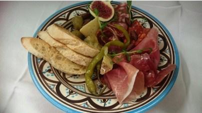 Tasting plates in Garden Bar 3
