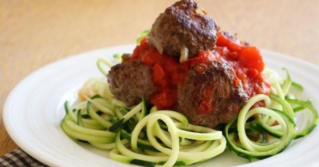 Wonky Spatula Courgetti and meatballs