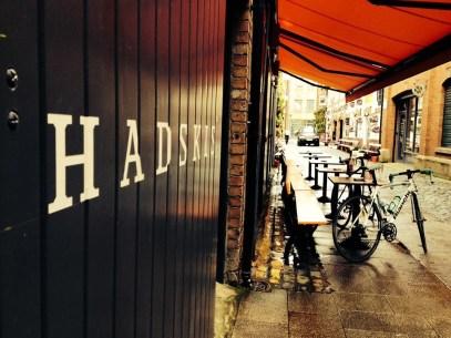 Hadskis_outside