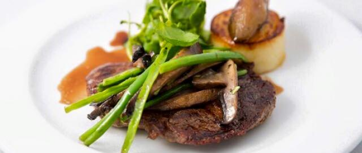 Dine in Dublin – Platform 61 – 3 Course Dinner for two people and a Bottle of Wine for €50 6