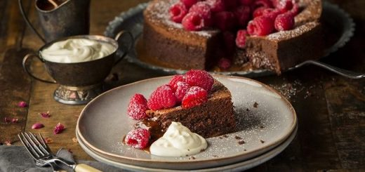 Siucra Salted Caramel Chocolate Torte recipe