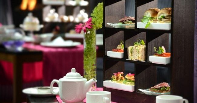 Spoil Your Queen this Mothers Day at Clontarf Castle with the Queen Bee Fusion Tea