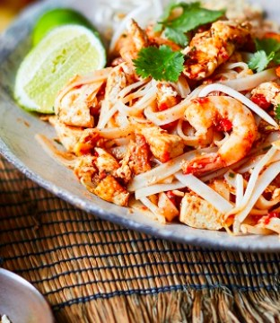 Crab and Shrimp Pad Thai Recipe with Chilli Oil from the Cook Thai Cookbook