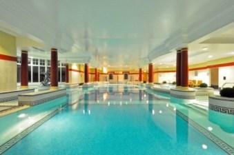 AridluanHotel pool
