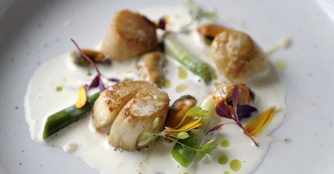 JP McMahon- Scallops, mussels, buttermilk, leek_Aniar Restaurant