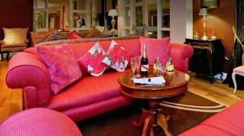 Lounge_Panel4 House Hotel