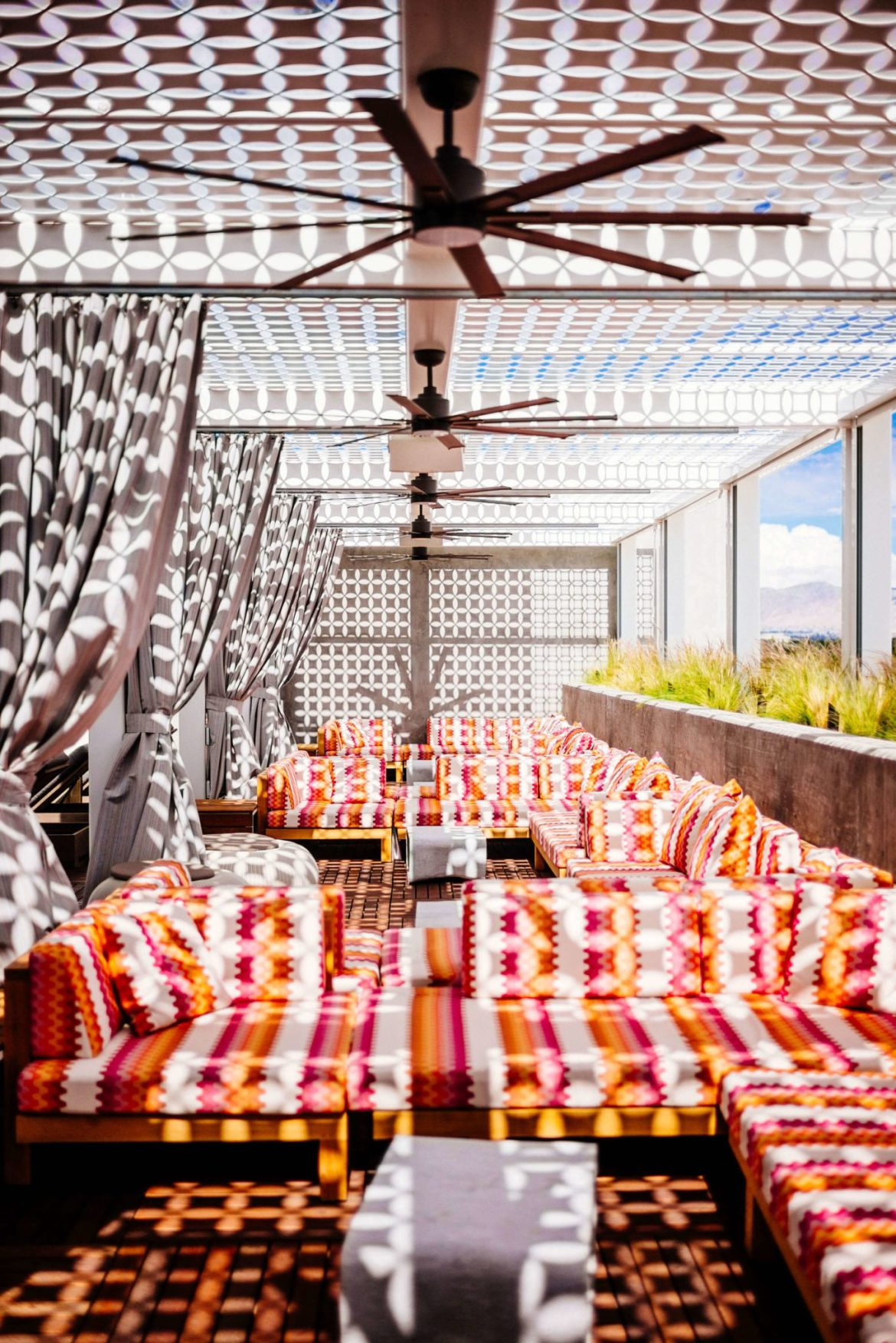 Stay at the Kimpton Rowan Hotel in Palm Springs has one of the best rooftop patios in Palm Springs, it's a dessert retreat, The Taste Edit