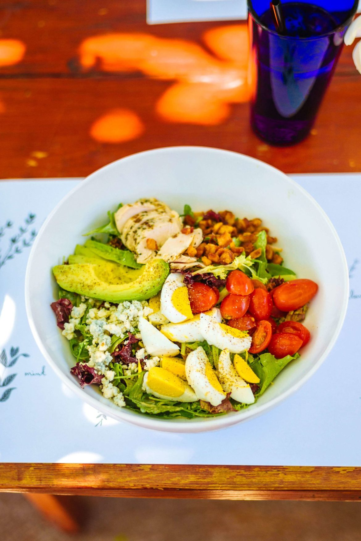 Visit the Barn Kitchen at Sparrows Lodge in Palm Springs for a delicious lunch under the orange trees and this perfect Cobb salad for lunch, thetasteedit #hotel #salad #palmsprings #travel