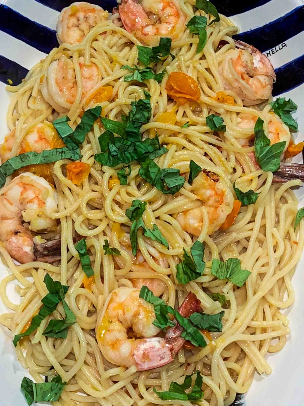 Italian shrimp pasta with cherry tomatoes and basil | thetasteedit.com #recipe #pasta #italian