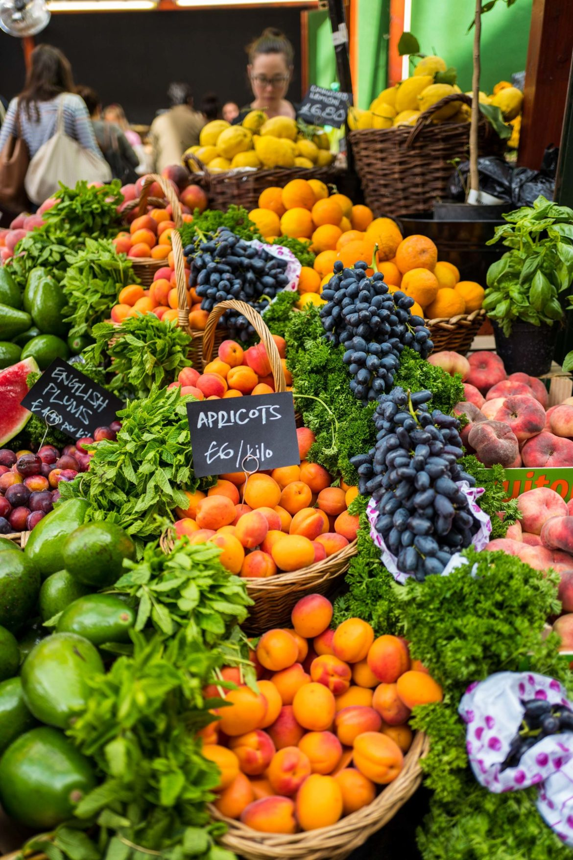 Borough market London is a foodie paradise with seasonal vegetables, cheeses, game, and more! Use The Taste Edit's guide to navigate your way through the market. #foodie #food #veggies