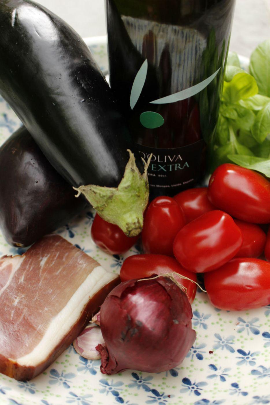 Pasta-alla-Norma_Ingredients