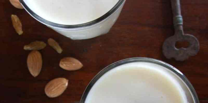 Muskmelon Lassi – Cantaloupe Yogurt Smoothie