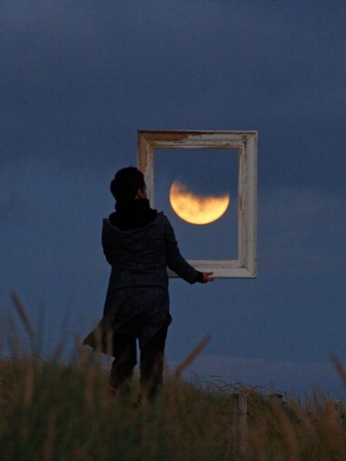 frame the moon