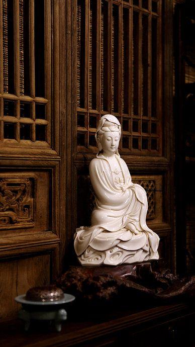 statue of quan yin
