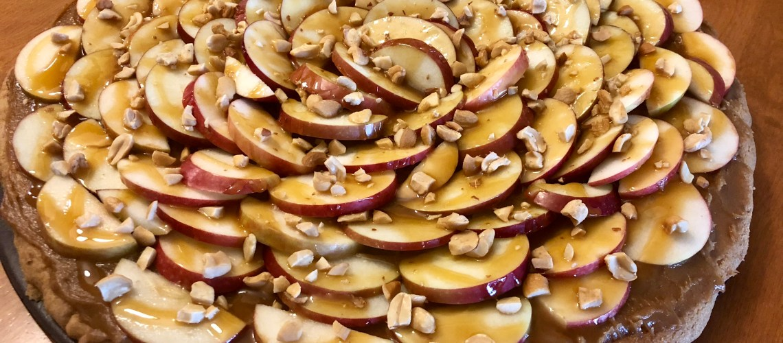 Peanut Butter Caramel Apple Pizza