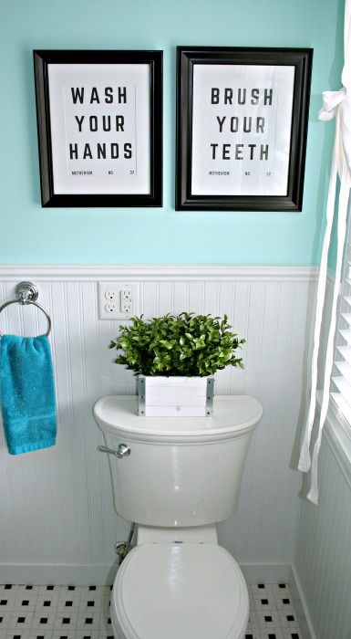 These Pottery Barn bathroom sign knockoffs cost me $15. Check out how I did it!