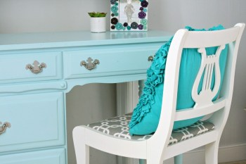 I am so excited about how this antique chair makeover turned out!  This piece was completely transformed (for under $10) and makes the perfect little desk chair in my daughter's bedroom!