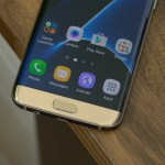 Galaxy-S7-Edge-First-Look-3