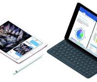 iPadPro10-ApplePencil-SmartKeyboard-Splitview_PR-P