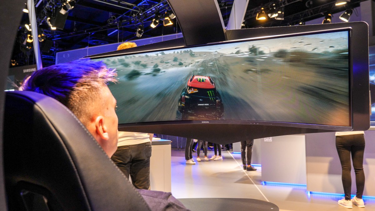 Samsung's EPIC Gaming Monitors @ Gamescom 2018!