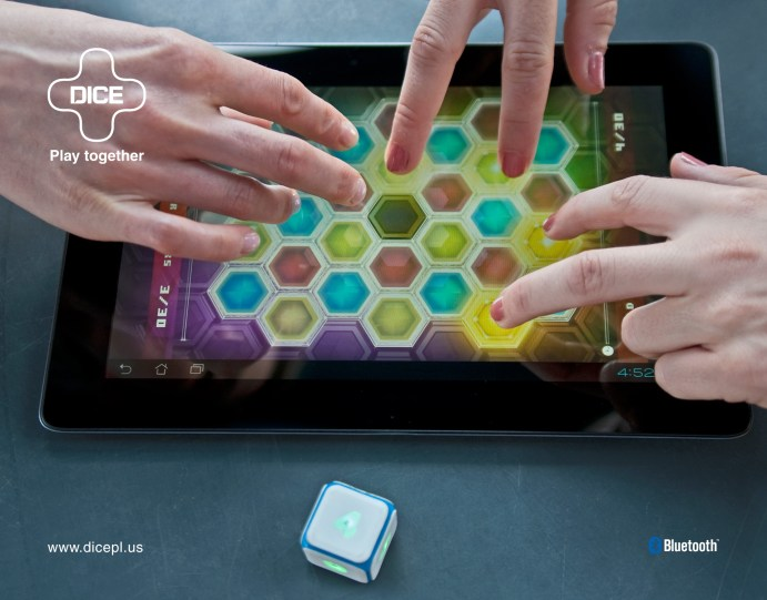 DICE+playing_together