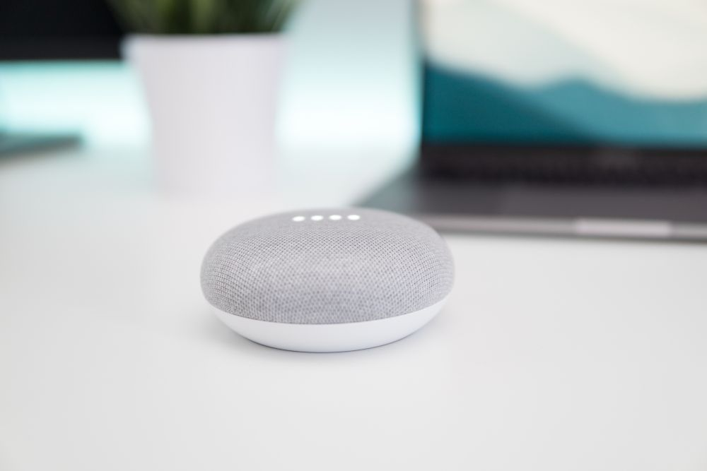 Google Home can now speak Spanish as well