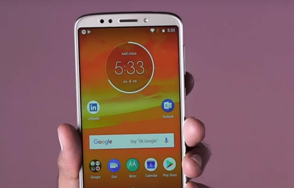 Moto E5 Plus Display