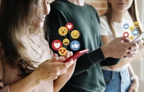 Advantages-and-Disadvantages-of-Social-Media