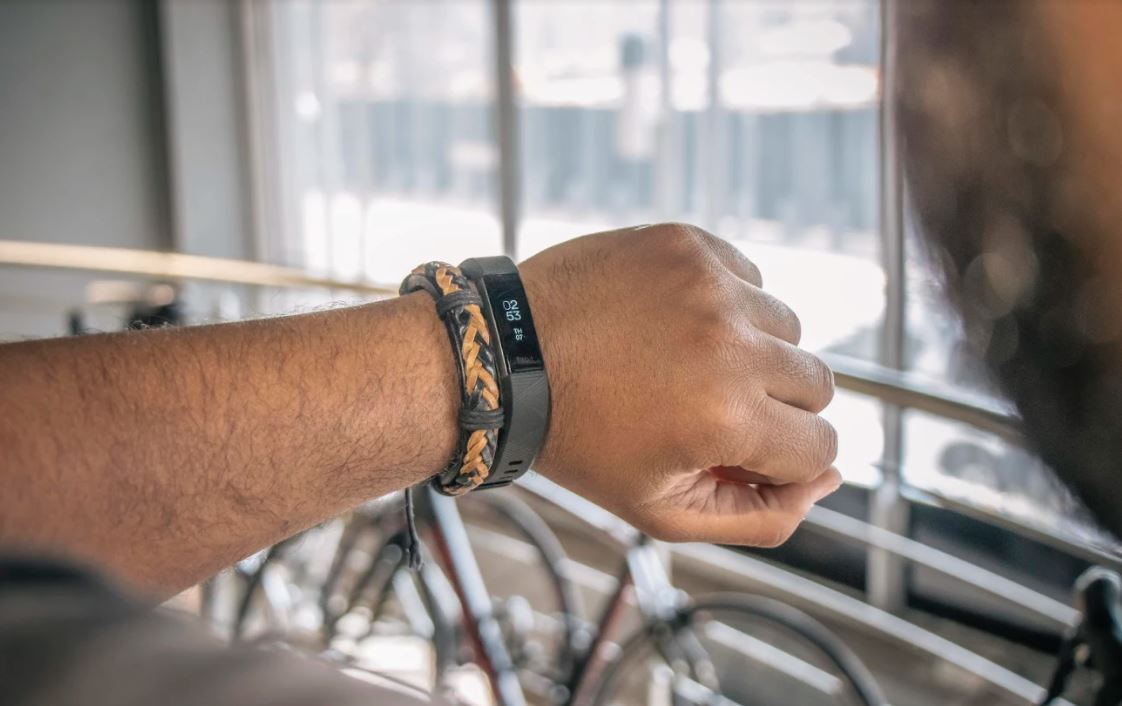 This is why the Fitbit Alta HR gets you moving