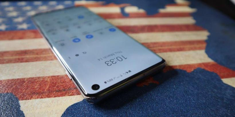 Samsung Galaxy S10 Notch Wallpaper - Premium Android