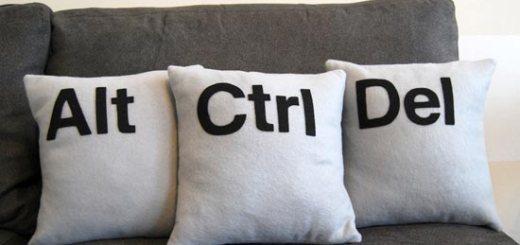 ctrl-alt-del-pillows_2