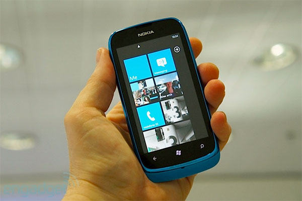 Nokia Launches Lumia 610 for Rs12,999 in India