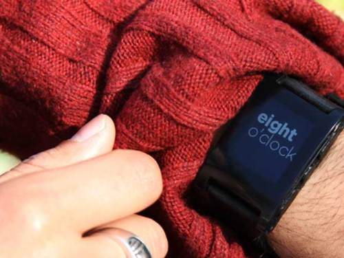 The Famous Kickstarter Funded Pebble Watch Will Start Shipping Today