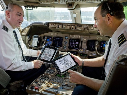 Report: JetBlue Gives Pilots New iPad Capabilities